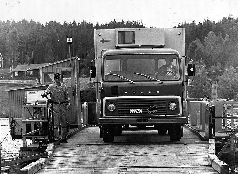 lastbil-på-färjan-800x587
