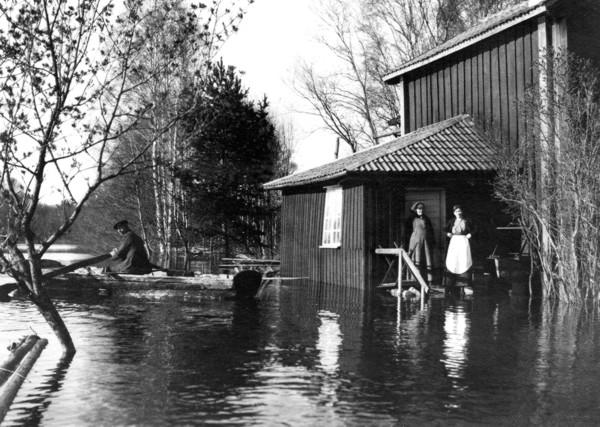 Jästgiveriet 1916 översvärmning.jpg