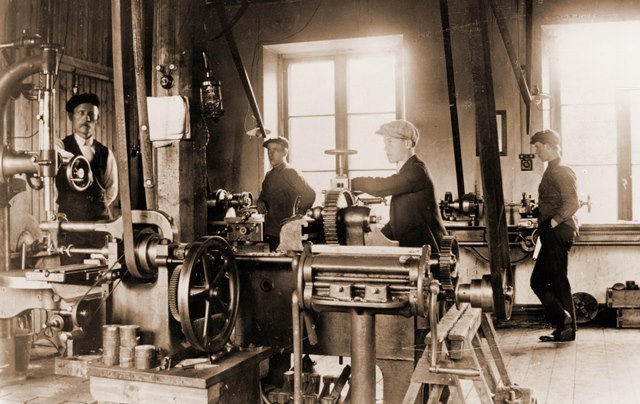 web_Blombacka mek verkstad 1910.jpg
